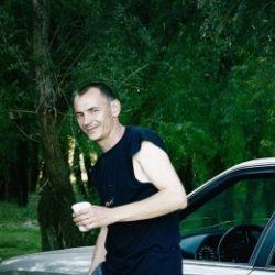 Парень ищет девушку, женщину в Иркутске. Практически любые прихоти!