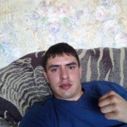 Внимательный, симпатичный добрый и нежный парень. Ищу девушку одну и надолго в Иркутске
